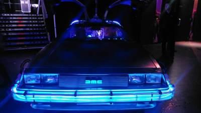 Back to the Future DeLorean vooraanzicht
