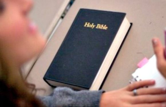 #Gists : Professor Chases Student Out Of The Class For Reading Bible