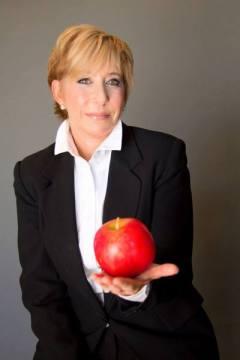 Barbara-Goldberg-Apple-Body-Pic