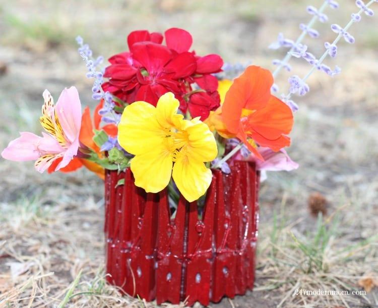 DIY-Flower-Vase-Hallmark-final-ad