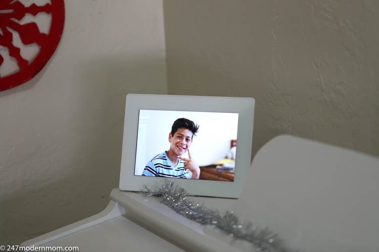 This Touchscreen Digital Photo Frame Belongs on Your Christmas Gift List