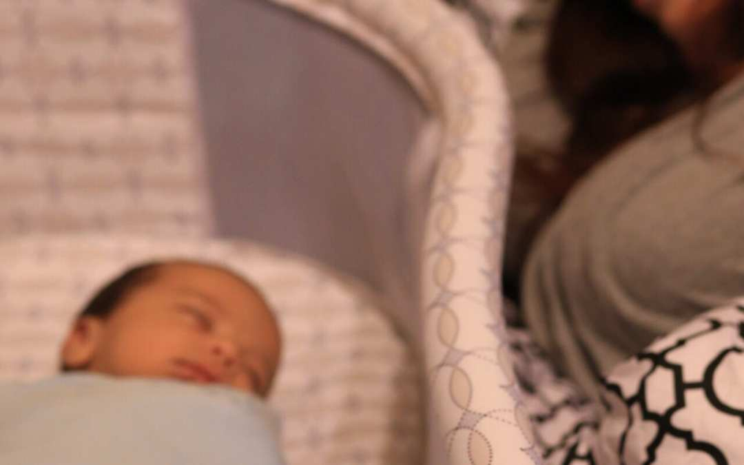 Bedside Bassinet Makes Nighttime Easier for Parents