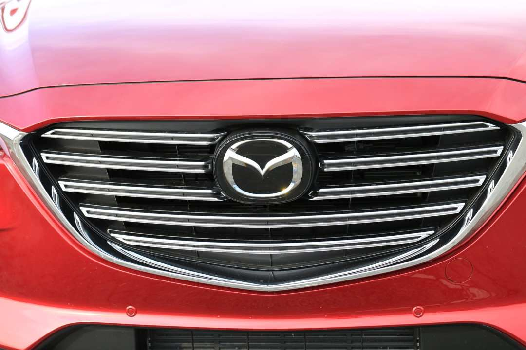 Mazda CX-9 Review Grill