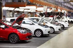 Pandemia de coronavirus oprește producția de automobile în tot mai multe fabrici din Europa