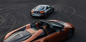 BMW a lansat i8 Roadster alaturi de i8 Coupe in versiune actualizata