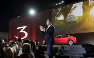 Tesla și Elon Musk continuă să surprindă