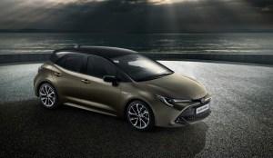 Toyota Auris a renuntat la diesel