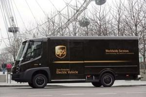 UPS inaugureaza reteaua inteligenta de incarcare pentru parcul auto din Londra
