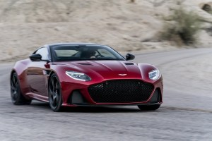Aston Martin la superlativ: DBS Superleggera