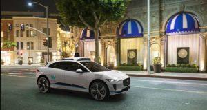 """""""California dreaming""""? …Tesla, Waymo si Apple"""
