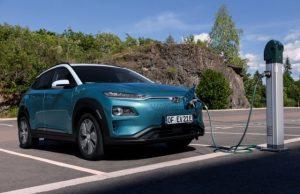 Hyundai recheamă în service peste 80.000 de automobile electrice Kona, pentru a le înlocui acumulatorii