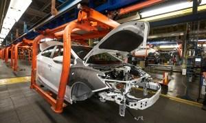 Industria auto ar urma să piardă circa 80.000 de locuri de muncă, în următorii ani