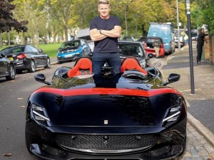 Gordon Ramsay, sedus de un Ferrari Monza SP2