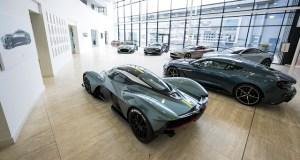 Un miliardar intentioneaza sa cumpere Aston Martin