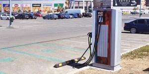 Continuă montarea stațiilor de încărcare rapidă în cadrul proiectului NEXT-E