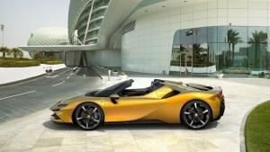 Ferrari SF90 Spider. Cu 1.000 CP, sub cerul liber!