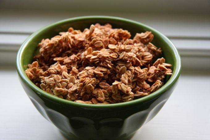 Fat-Free Applesauce Granola // 24 Carrot Life #fatfree #granola #healthy