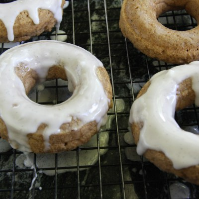 Vegan Vanilla Chai Baked Donuts