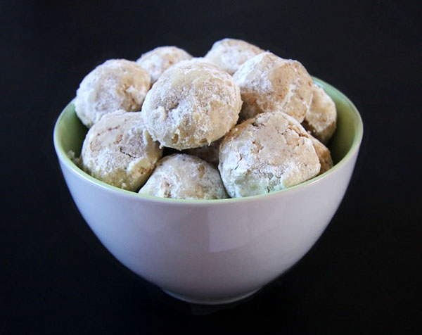 Pecan Mexican Wedding Cookies I 24 Carrot Life