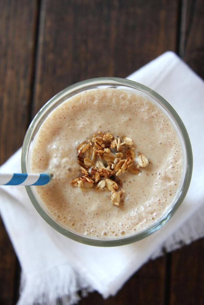 Copycat Juice Generation Peanut Butter Split Smoothie #vegan #healthy // 24carrotlife.com