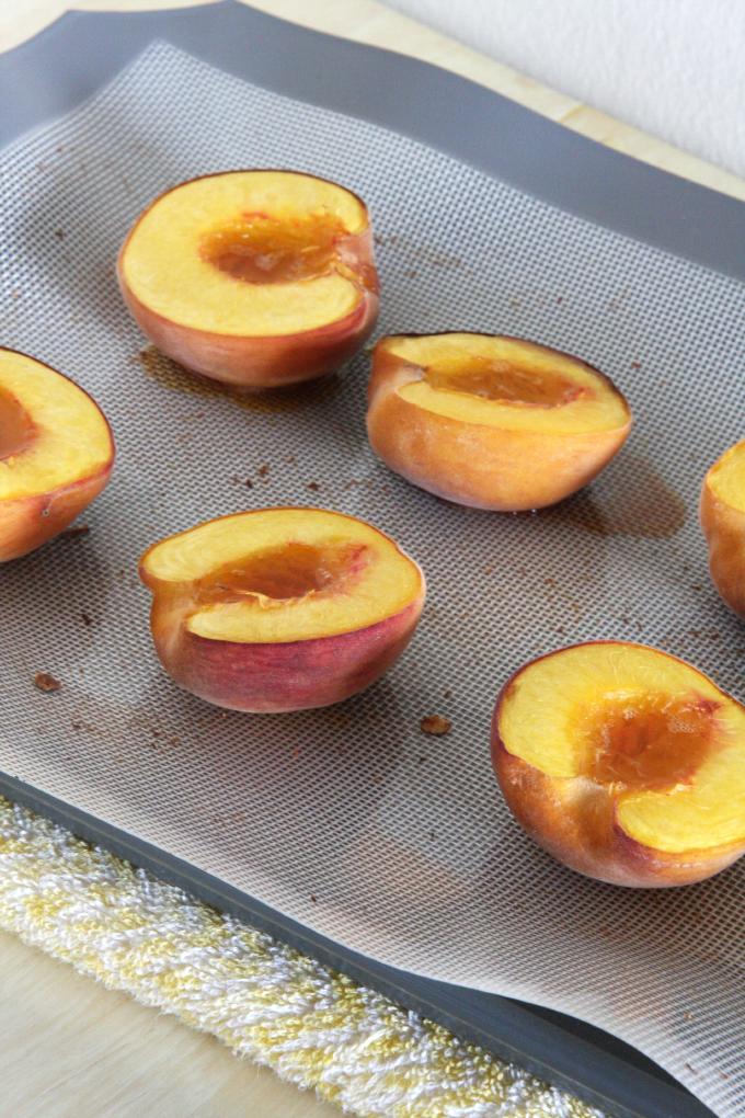 Honey Roasted Peaches // 24 Carrot Life #healthy #summer #greek yogurt