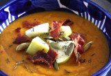 Butternut Squash Soup with Bacon Croutons // 24 Carrot Life #dairyfree #glutenfree #paloe