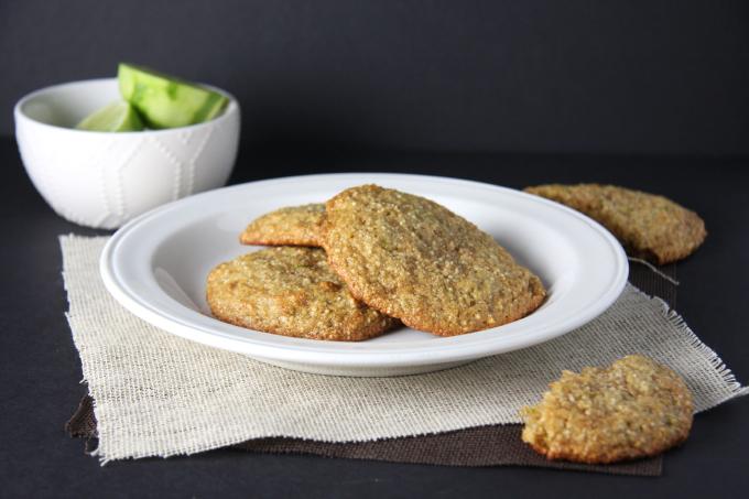 Lime Cashew Cookies // 24 Carrot Life #paleo #glutenfree