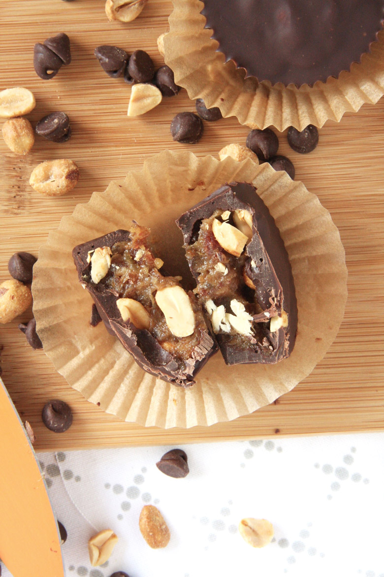 Three Ingredient Snickers Cups // 24 Carrot Life #snickers #chocolate #caramel #cleaneating