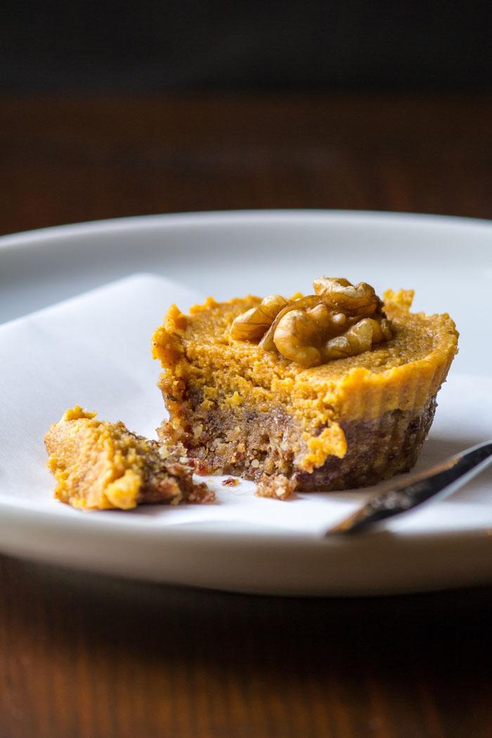 No-Bake-Pumpkin-Pie-Tarts-2