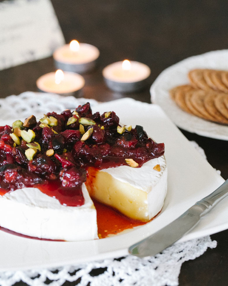 Baked Brie with Roasted Cranberry Sauce