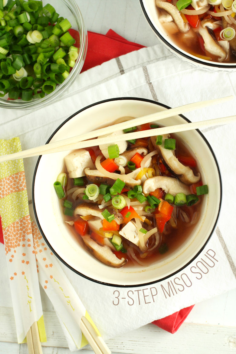 3- Step Miso Soup // 24 Carrot Life A healthy and super simple vegetarian miso soup.