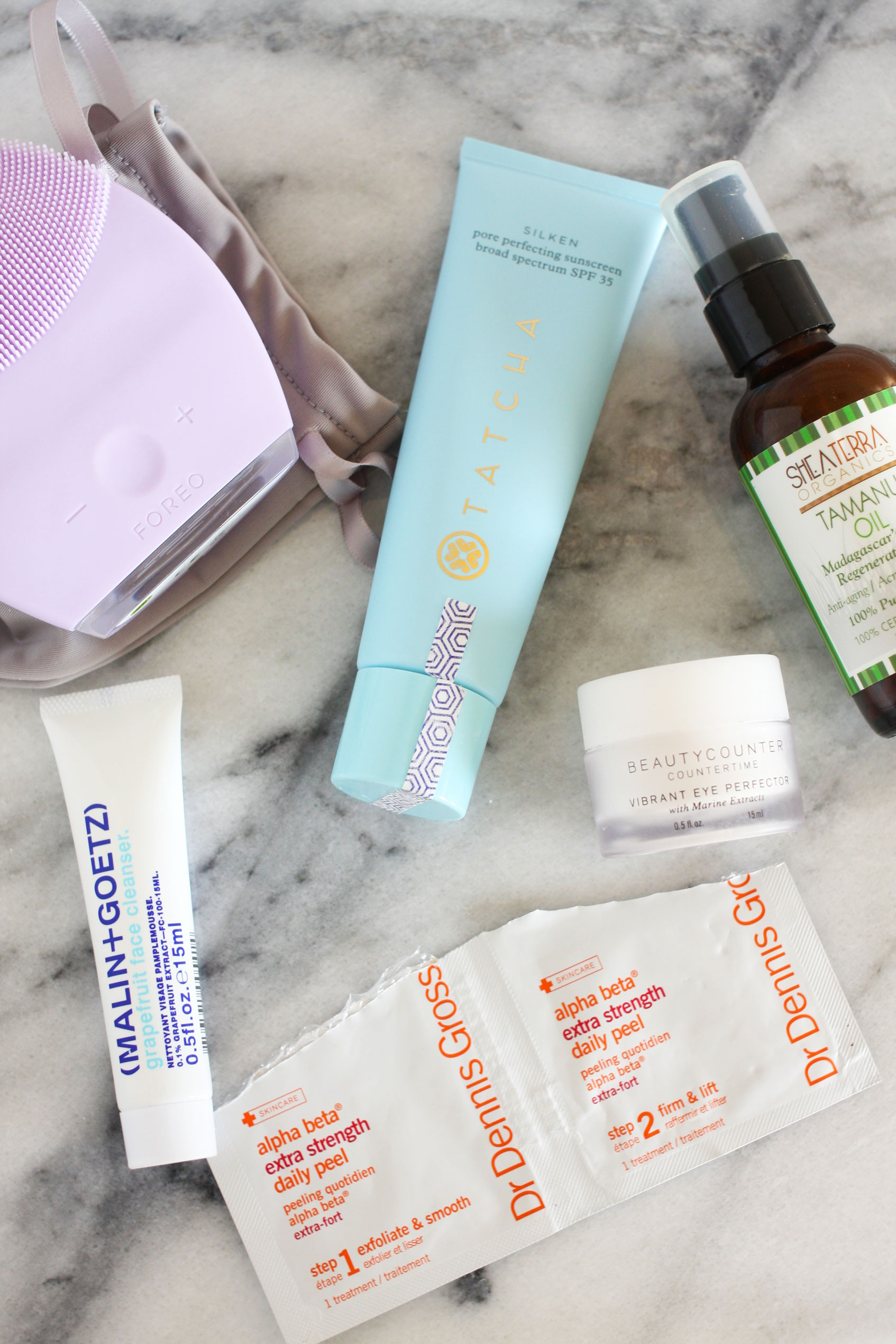 My Natural Skincare Routine // After struggling with acne ever since I can remember, and a particularly bad year of severe acne, I started taking medicine and switched all my products to more natural options. I'm sharing my daily skincare routine with you! #skin #acne #natural #beauty #sponsored