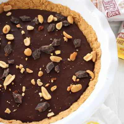 No Bake Chocolate Peanut Butter Pie // A delicious and mostly healthy no-bake chocolate peanut butter pie made with Perfect Bars for the crust and coconut cream for a rich filling #sponsored #chocolate #peanutbutter #nobake