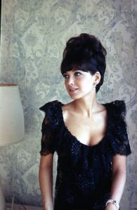 suzanne-pleshette-showing-cleavage2