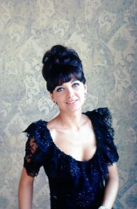 suzanne-pleshette-showing-cleavage3