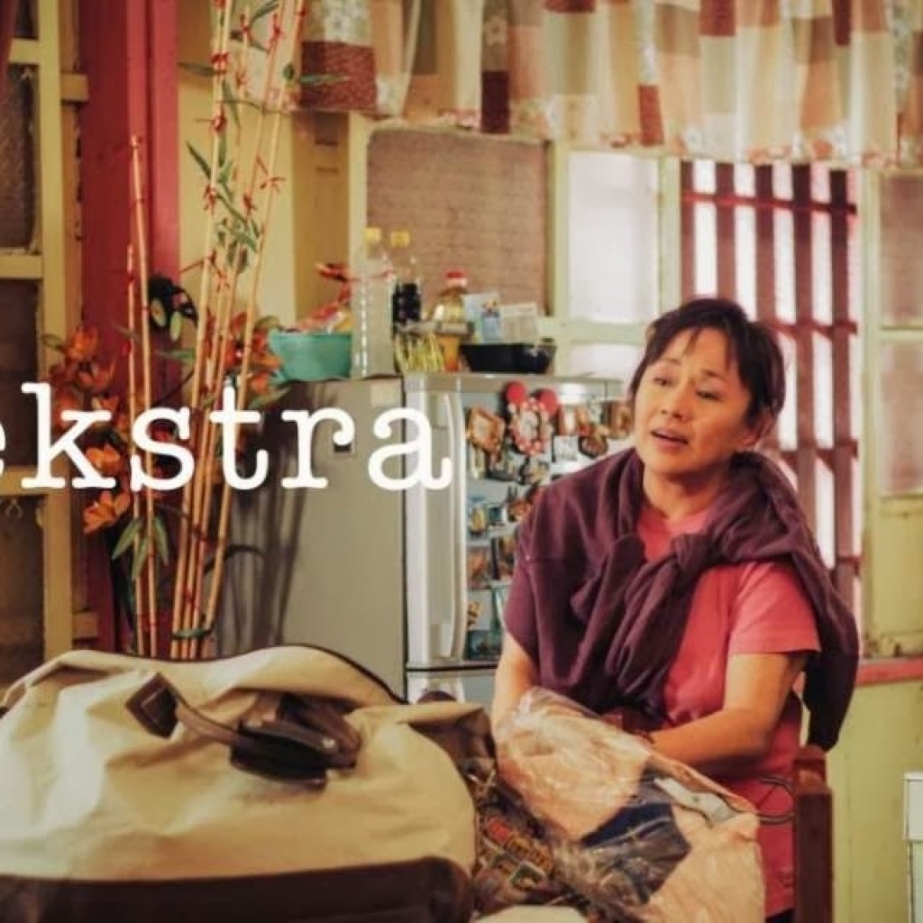 "It's Part of the Job: An ""Ekstra"" Film Review"
