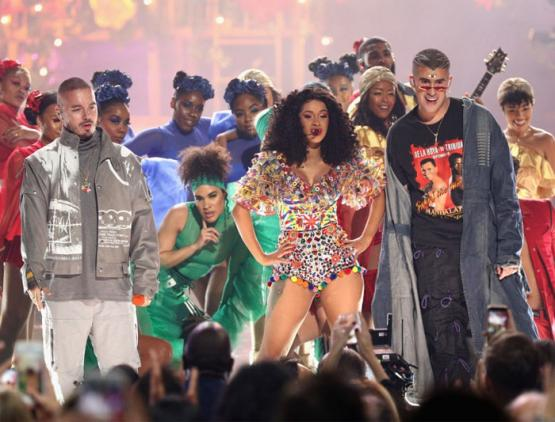 Cardi B, J Balvin, & Bad Bunny Perform 'i Like It' At AMWs