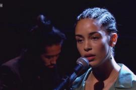 "Jorja Smith Performs ""The One"" in the Live Lounge"