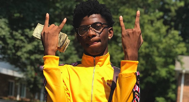 "Lil Nas X ""Old Town Road"" Breaks Drake Streaming Record"