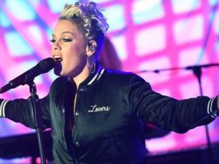 P!nk feat. Khalid – Hurts 2B Human Lyrics