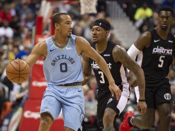 The Los Angeles Lakers Sign Avery Bradley