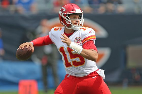MRI Confirms Patrick Mahomes Suffers Dislocated Kneecap