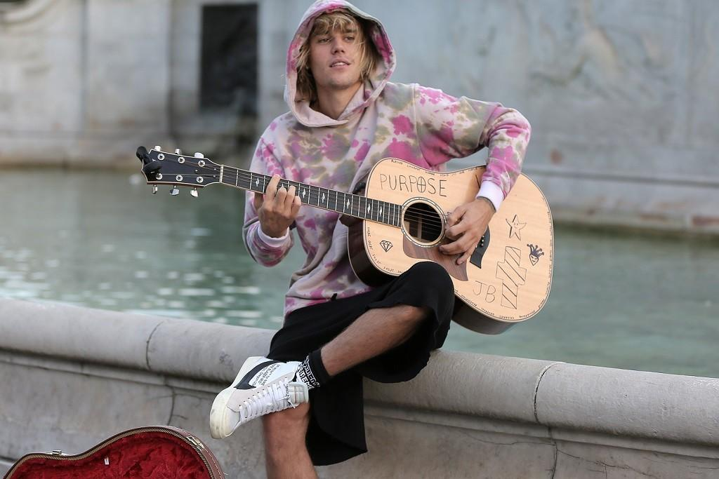 "Justin Bieber Slammed For Spurious ""Yummy"" Streaming Strategy"
