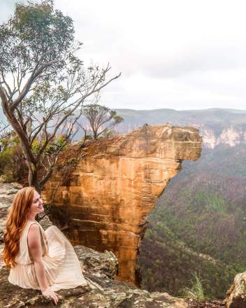 hanging rock blue mountains Sydney