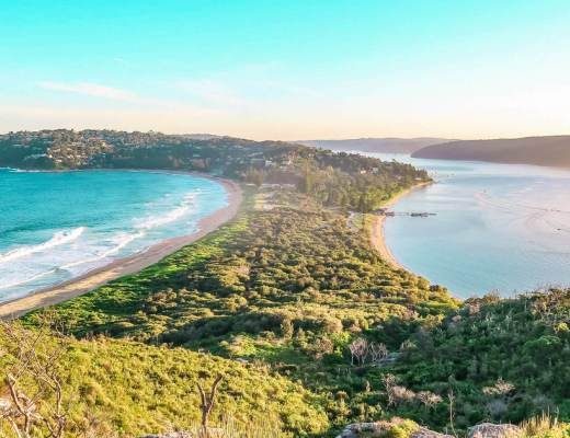 Barrenjoey head lookout palm beach Sydney
