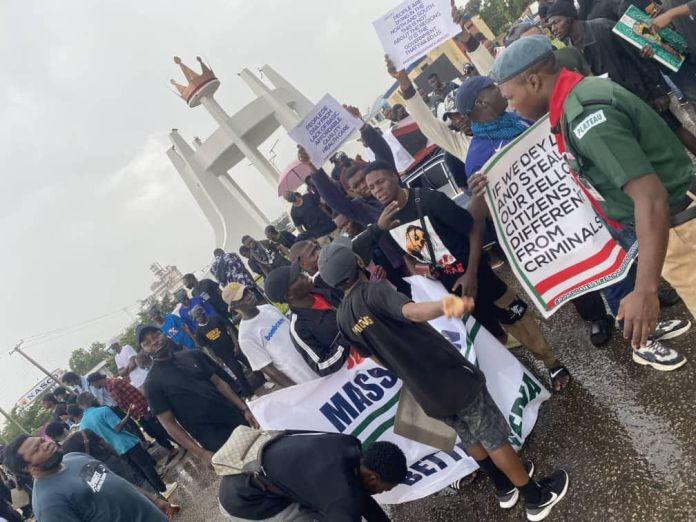 Today News in Nigeria : Protest in Nigeria Today   Lagos Nigeria Protests