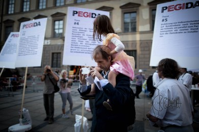 Hartmud P. - repetitly spoke at PEGIDA - brings his daughter