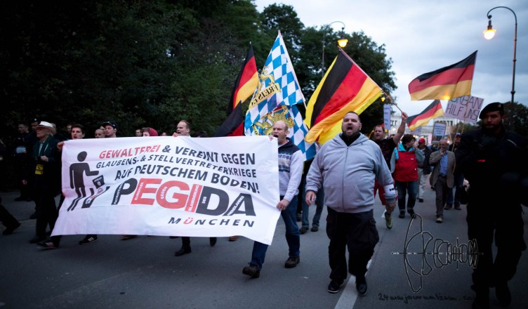 pegida sept blog 5 - PEGIDA Munich marches again - rallies against refugees