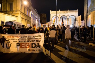 "PEGIDA Munich ends in front of the historical ""Feldherrenhalle"" a place Hitler already rallied in front of."