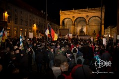 PEGIDA stands in front of historically charged Feldherrnhalle.